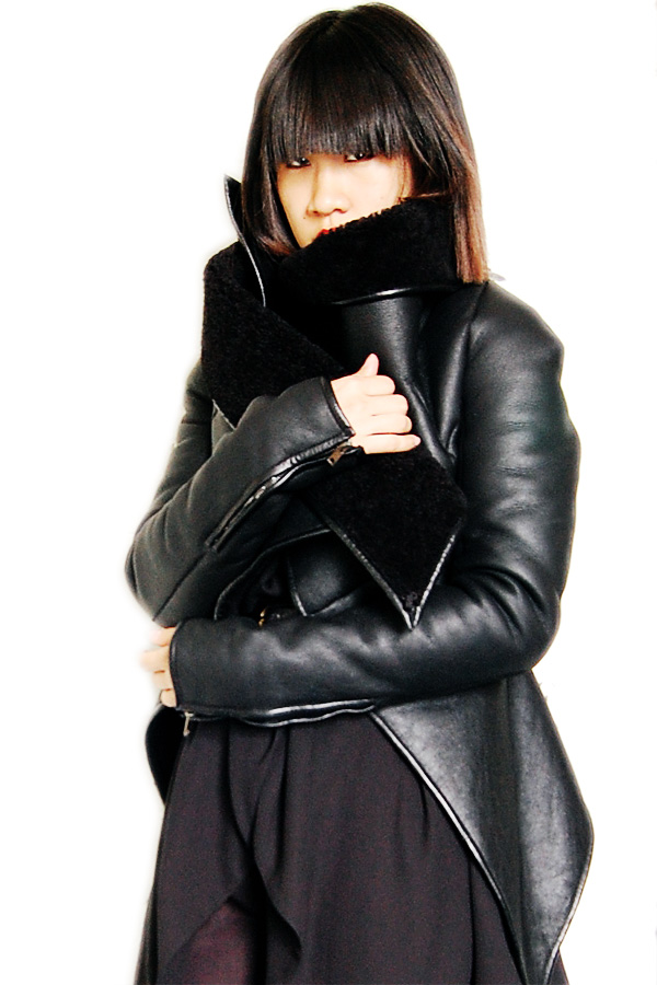 Gareth-Pugh-Leather-Jacket-FW2010-3