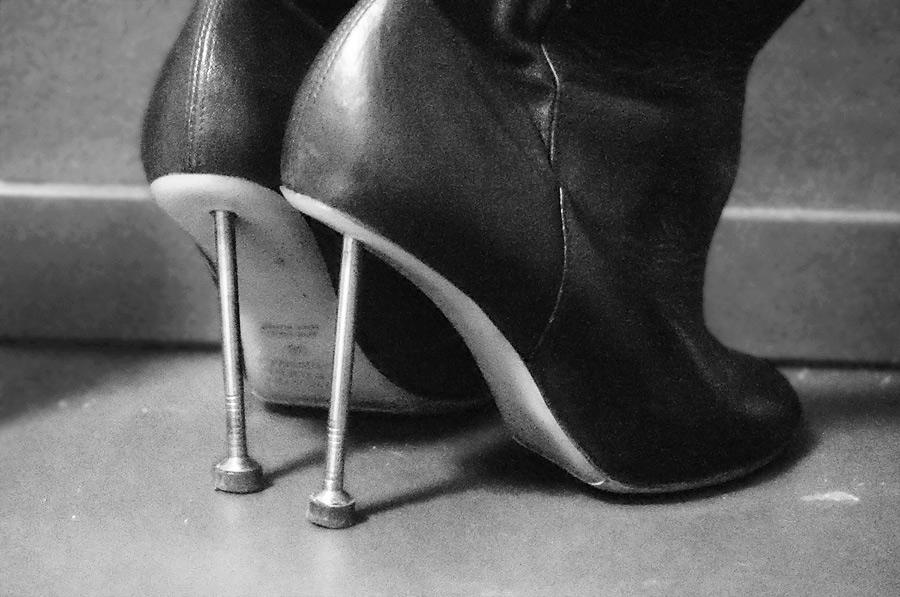 margiela-nail-boots
