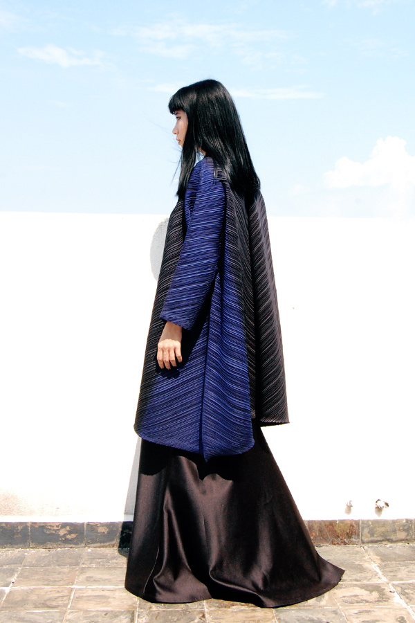 Issey-Miyake-Ombre-Coat-2