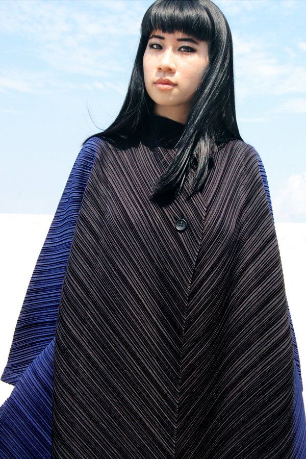Issey-Miyake-Ombre-Coat-3