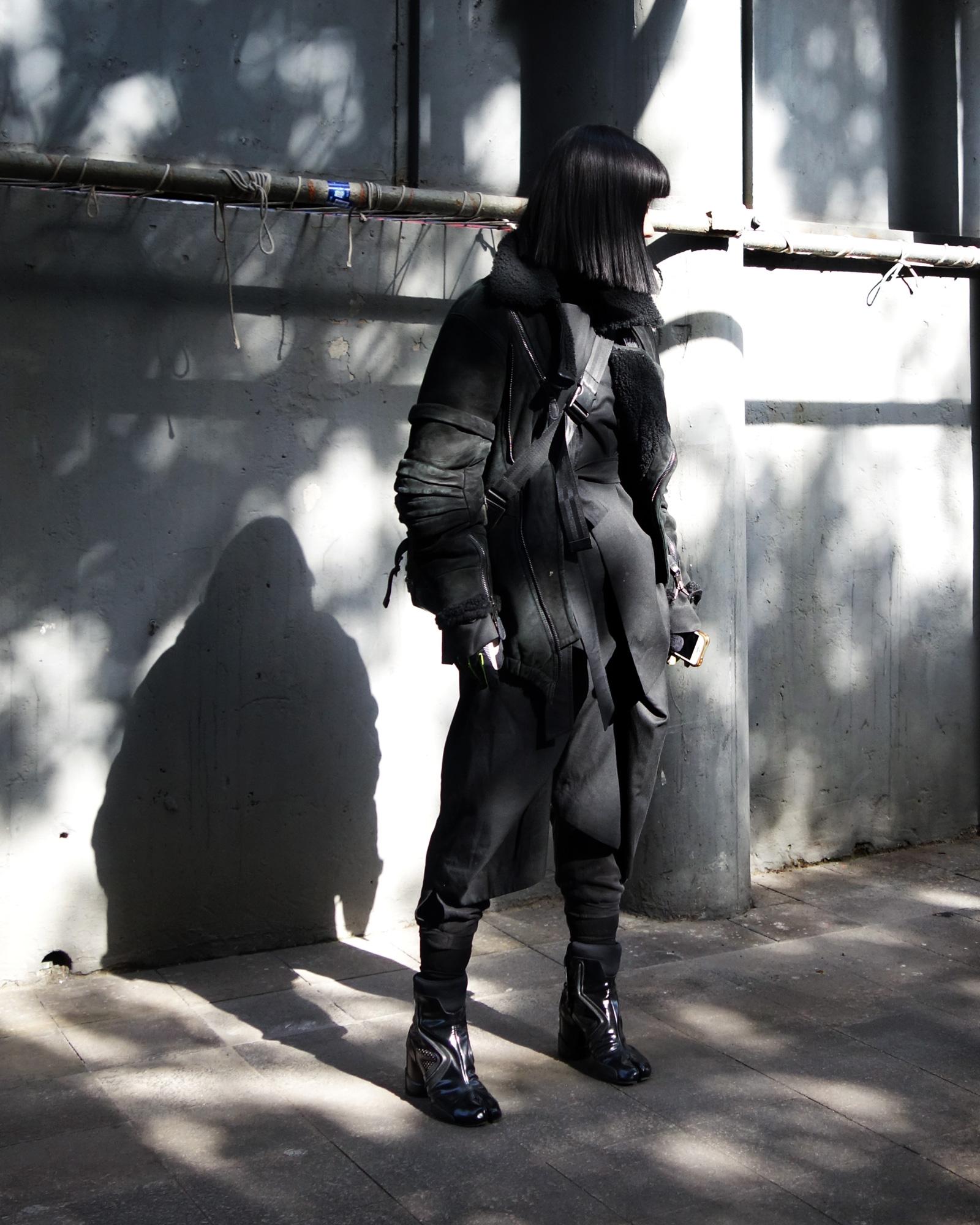All--Black-ROSEN-2