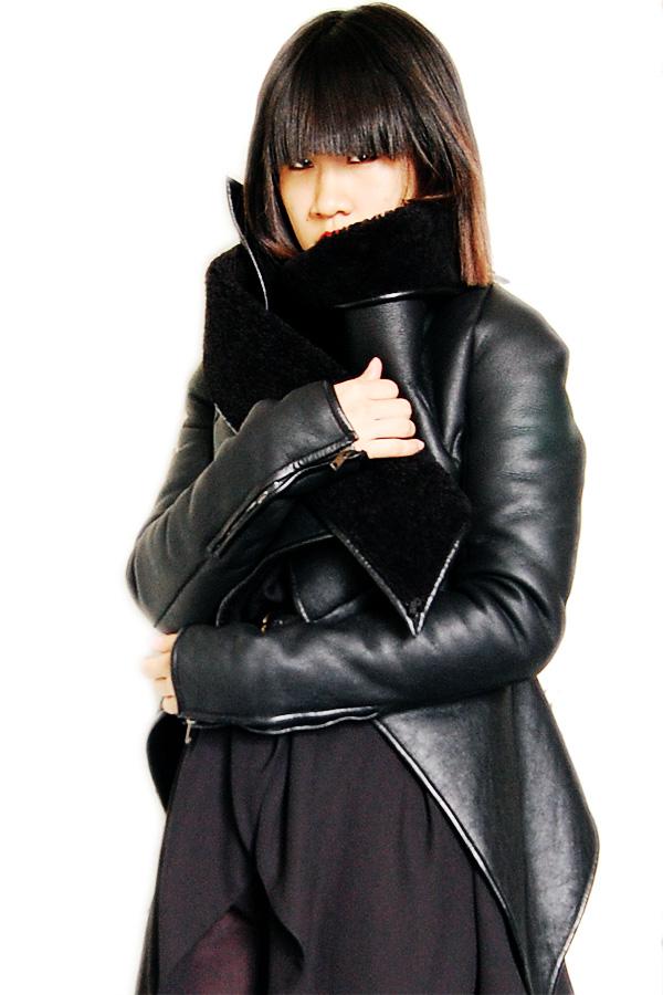 Gareth-Pugh-Leather-Jacket-FW2010-3