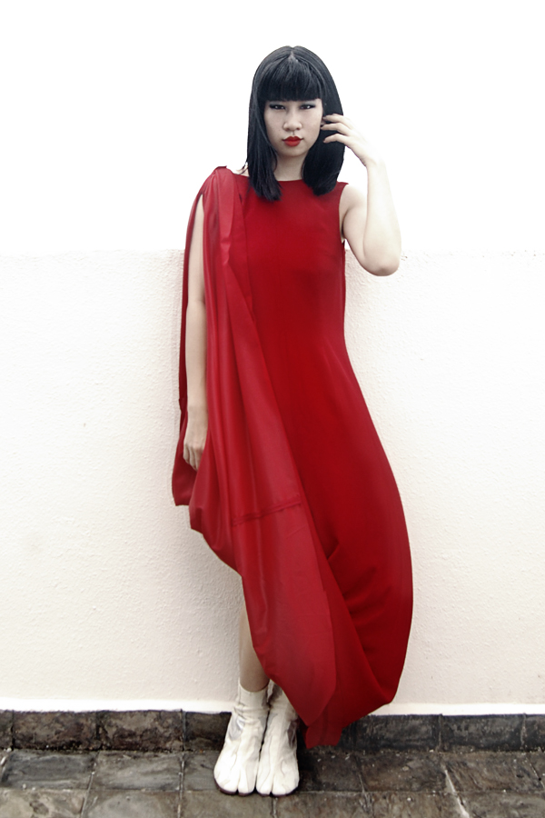 hm-margiela-hitched-dress-1