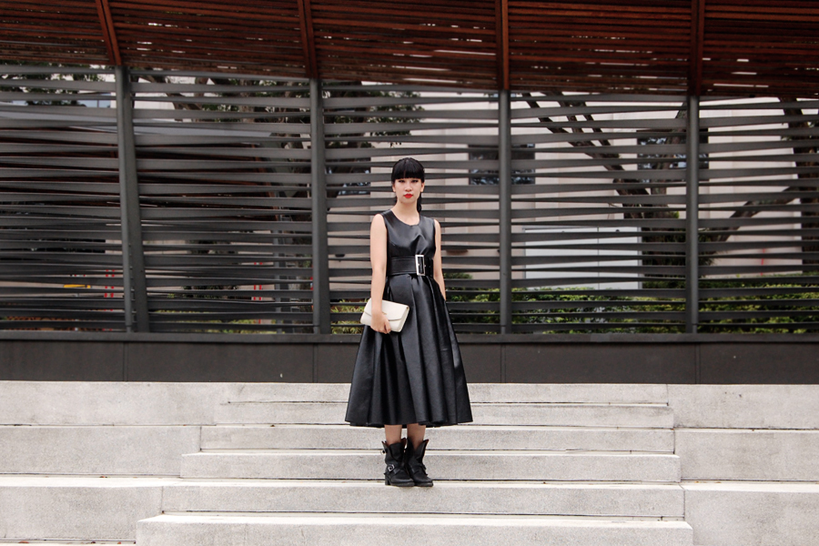 Comme-des-Garcons-FW2010-Pleated-Dress-1